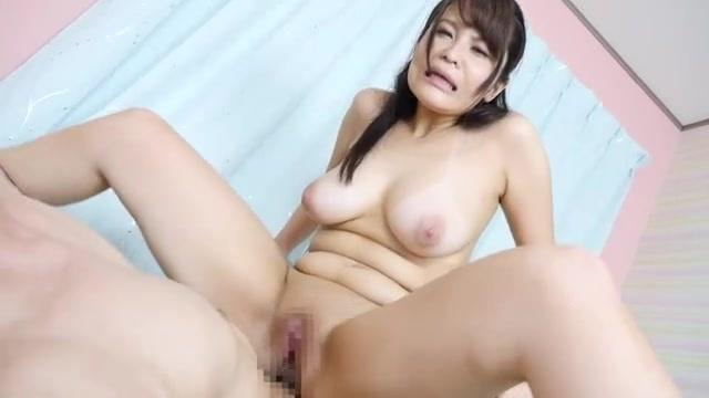 20歳のエロいHカップの巨乳女子と激しいセックス