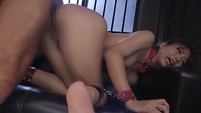 神ユキ 監禁拘束され強制アナルセックスで中出しされてしまう女の子