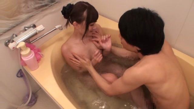 杏咲望 お姉ちゃんの入浴中に乱入して犯し中出しする鬼畜弟