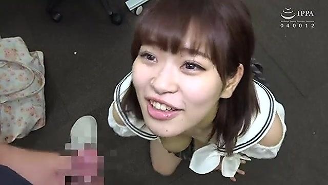 愛乃はるか 上京したばかりの可愛い巨乳娘のフェラチオ顔射