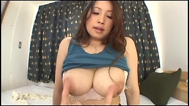 藤森綾子 巨乳人妻の大きなおっぱい