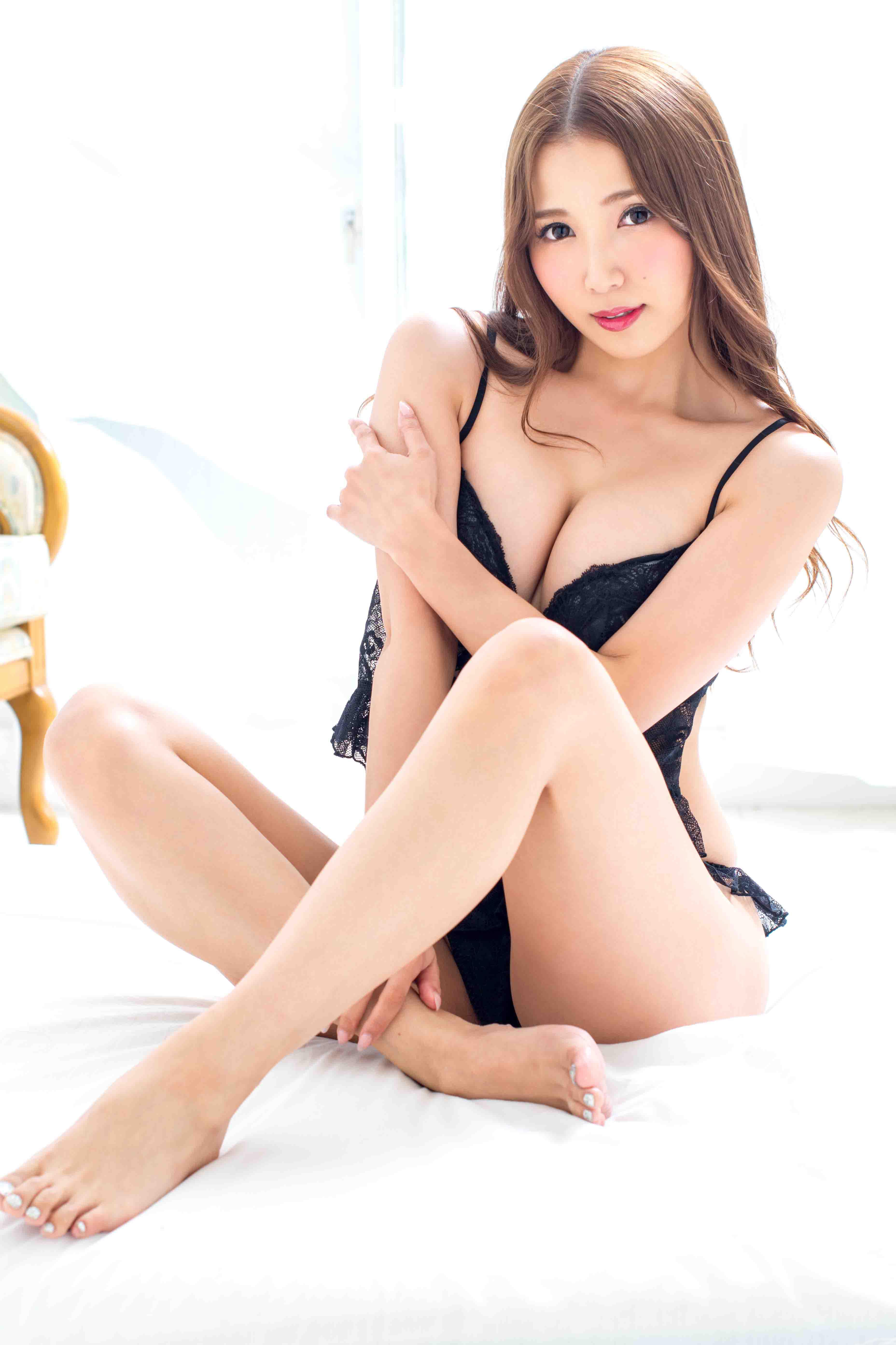 友田彩也香