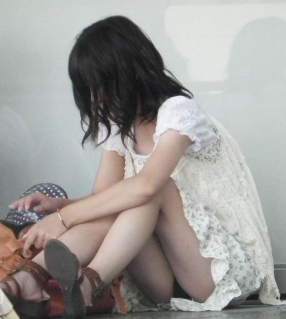 普通の女の子のパンチラ画像を貼ってこwwwwwww【画像30枚】01_20181121135413876.jpg