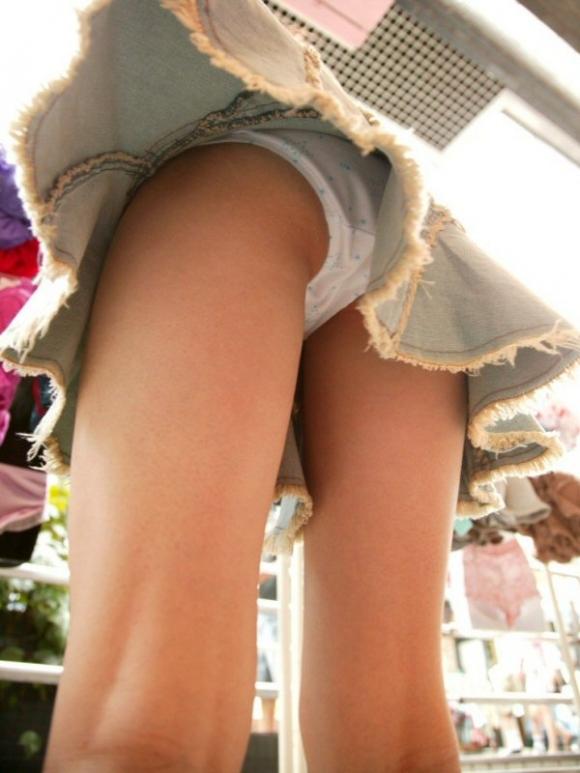 スカート短い女の子見ると下からパンツ見たくなってたまらなくなるwwwwwww【画像30枚】01_201903242357243b8.jpg
