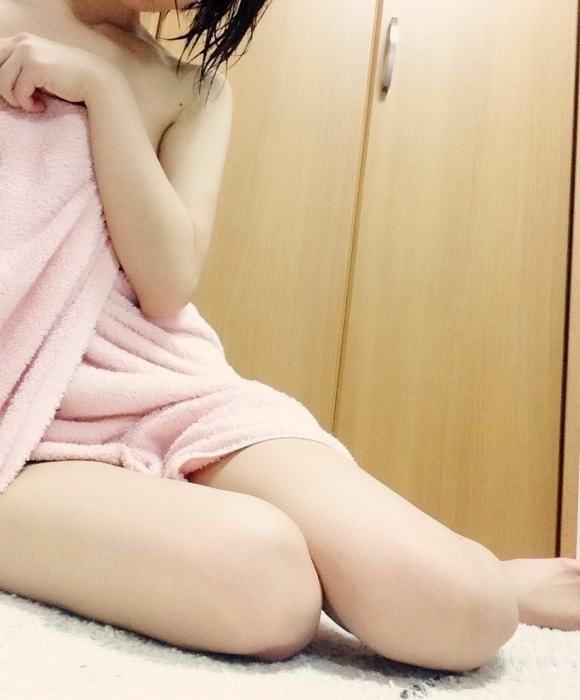 【流出画像】素人がバスタオル1枚羽織ってる姿がエロすぎてオナニーがはかどる件wwwwwww【画像30枚】02_20190522012128c46.jpg