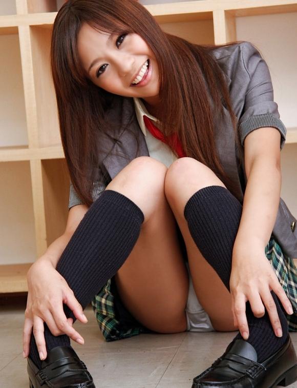 カワイイ女の子のパンチラ見てると元気が湧き上がってくる!wwwwwww【画像30枚】03_20181204231418a10.jpg