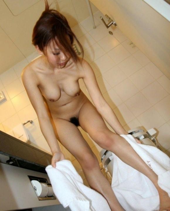 【流出画像】お風呂上がりの彼女のおっぱいがエロすぎて即保存不可避wwwwwww【画像30枚】03_20190718004422d80.jpg
