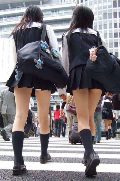 【女子校生】JKのパンツが見れたら自然と元気が出てくるヤツ多いんじゃね?wwwwwww【画像30枚】03_201908052326244f4.jpg