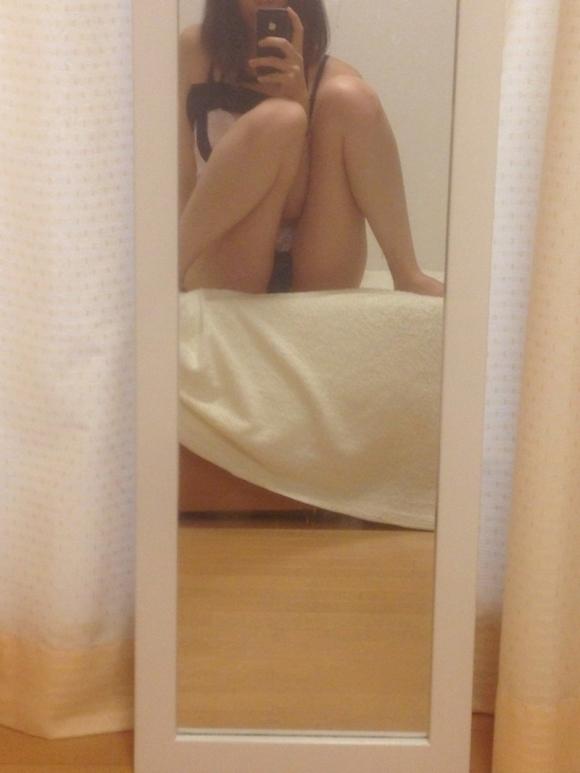【鏡自撮り画像】鏡を使うと一段とエロさが増すことを理解してる素人女子のあざとさヤバしwwwwwww【画像30枚】03_20190923014508608.jpg