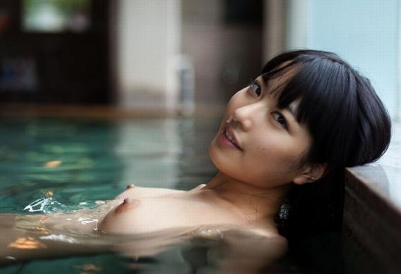 【入浴中】可愛い女の子がお風呂に入ってるのを見てると心も体も温まってくるwwwwwww【画像30枚】03_201912252300287d6.jpg