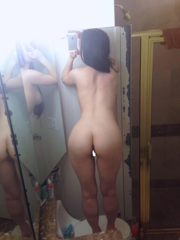 【素人自撮り画像】鏡を使って自撮りしてる女の子のエロさが異常wwwwwww【画像30枚】04_20180922222314f07.jpg