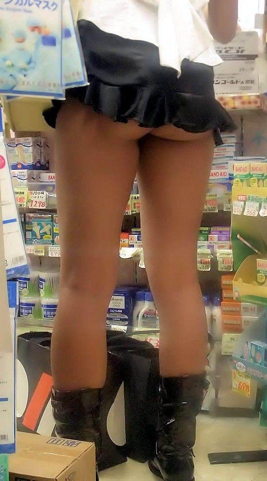 尻肉ハミ出る服で外出しちゃう最近の女の子の感覚ってどうなってるの?wwwwwww【画像30枚】04_2019010211012542f.jpg