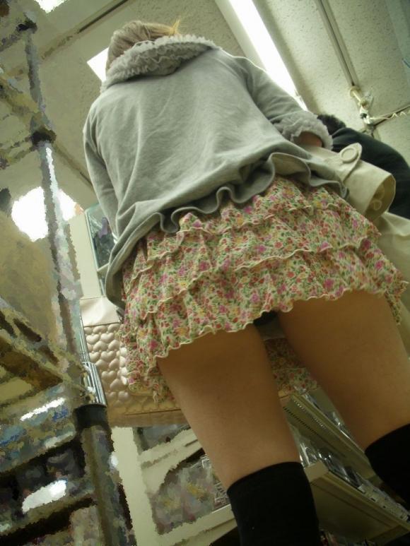 スカート短い女の子見ると下からパンツ見たくなってたまらなくなるwwwwwww【画像30枚】04_2019032423572882a.jpg