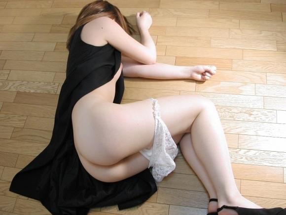 【乱れ服】いたずらに服が乱れてる女の子がふしだらwwwwwww【画像30枚】04_20190423021234e6c.jpg