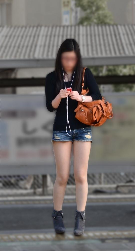 エロい下半身を晒して街を歩いてる女の子多すぎwwwwwww【画像30枚】04_20190625140841eed.jpg