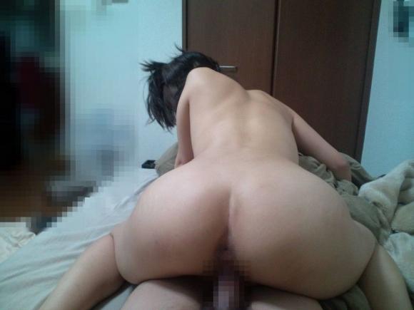 【流出画像】騎乗位セックスに没頭してる彼女を撮った画像をくっそエロくてたまらんwwwwwww【画像30枚】04_2019071520195257a.jpg