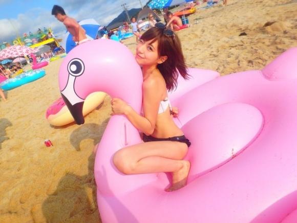 【素人水着画像】くっそ可愛い女の子が水着を着てるところを見れるなんて夏は素晴らしすぎるwwwwwww【画像30枚】04_201908180138318c4.jpg
