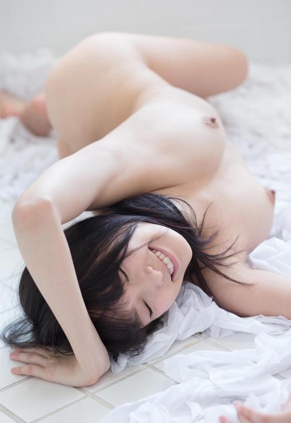 【おっぱい】まるでビーナス!美しすぎる裸体を持つ美女のおっぱいに目が釘付け!wwwwwww【画像30枚】04_20191116220649a51.jpg