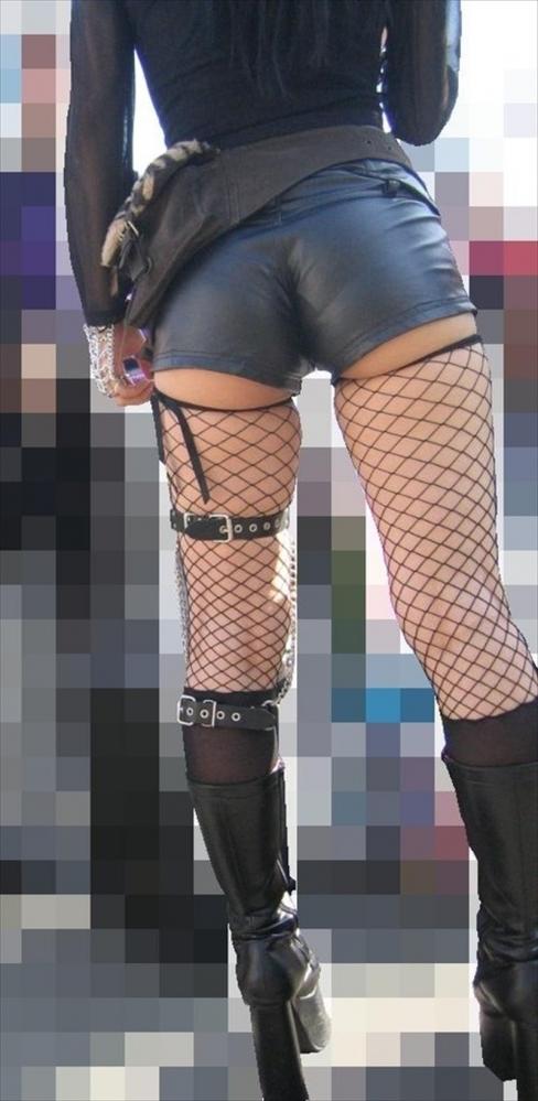 尻肉ハミ出る服で外出しちゃう最近の女の子の感覚ってどうなってるの?wwwwwww【画像30枚】05_2019010211012777d.jpg
