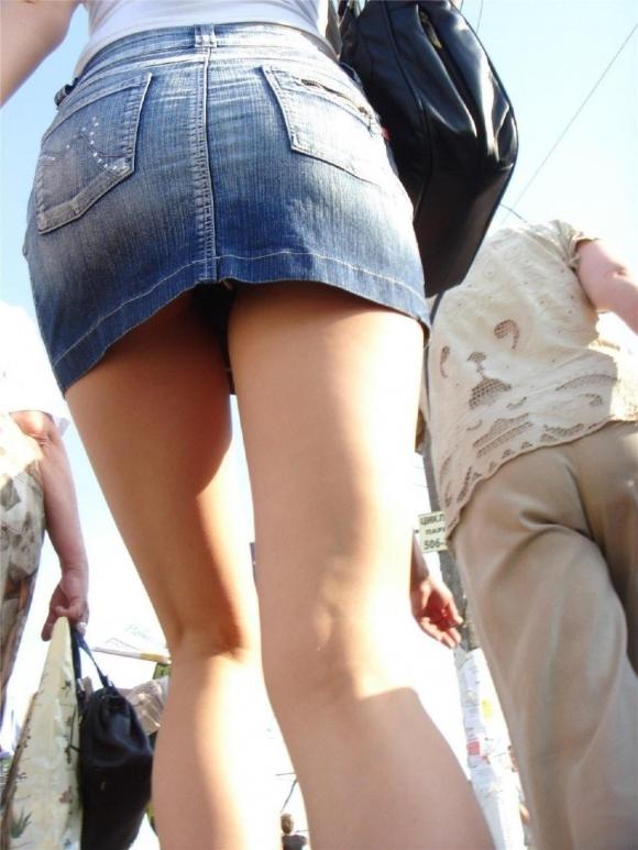 パンチラ画像の中でもデニムスカートからのパンチラがめっちゃアツいwwwwwww【画像30枚】05_20190602151533c66.jpg