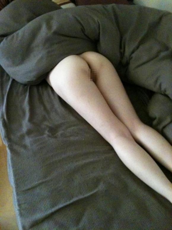 【流出画像】エロいお尻を出してる彼女を勝手に撮って見せびらかせる彼氏ヤバっっっwwwwwww【画像30枚】05_20190803015251cca.jpg