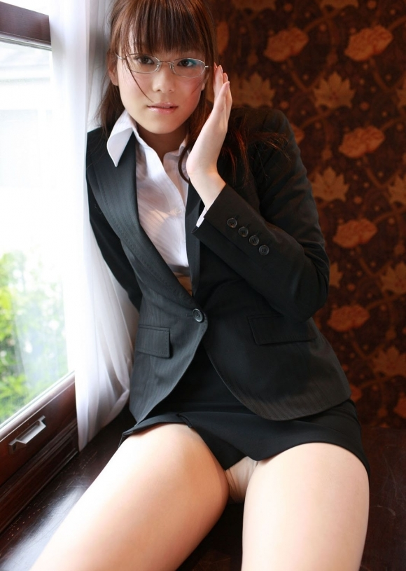 【眼鏡女子】真面目そうな女の子のエロい姿のギャップに萌えぇぇぇwwwwwww【画像30枚】06_20181002015149fbc.jpg