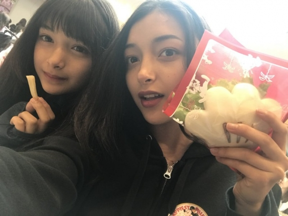 今話題のハーフJK姉妹エリカ&マリナちゃんが可愛い!【画像10枚】06_201810102152101c3.jpg