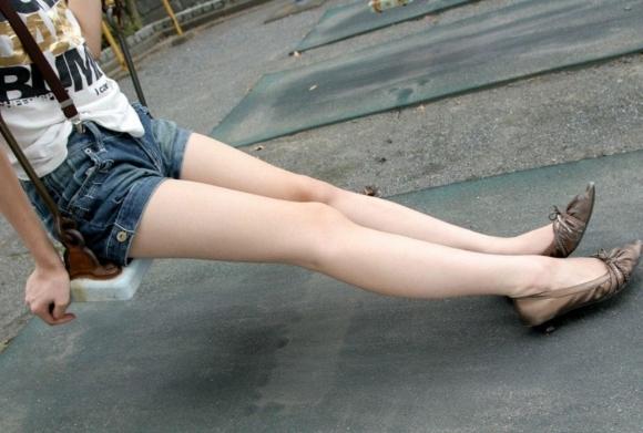 【脚フェチ】コレ見たらキレイな脚を好きになるに決まってるwwwwwww【画像30枚】06_20190323014527cf0.jpg