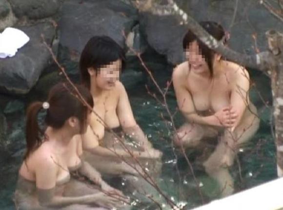 【盗撮画像】露天風呂に入ってる素人を狙った悪質な画像wwwwwww【画像30枚】06_20190425024036002.jpg