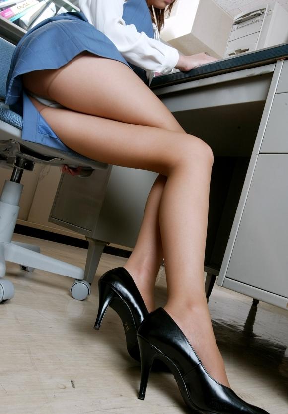 【美脚】あぁ・・・こういうエロい脚を見ると脚フェチの気持ちが理解できるwwwwwww【画像30枚】06_201906140124044a9.jpg