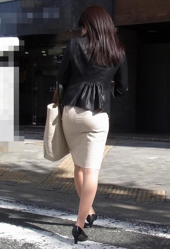 仕事始めでOLのタイトスカートを久しぶりに見れるのが唯一の楽しみwwwwwww【画像30枚】06_20200104220346351.jpg