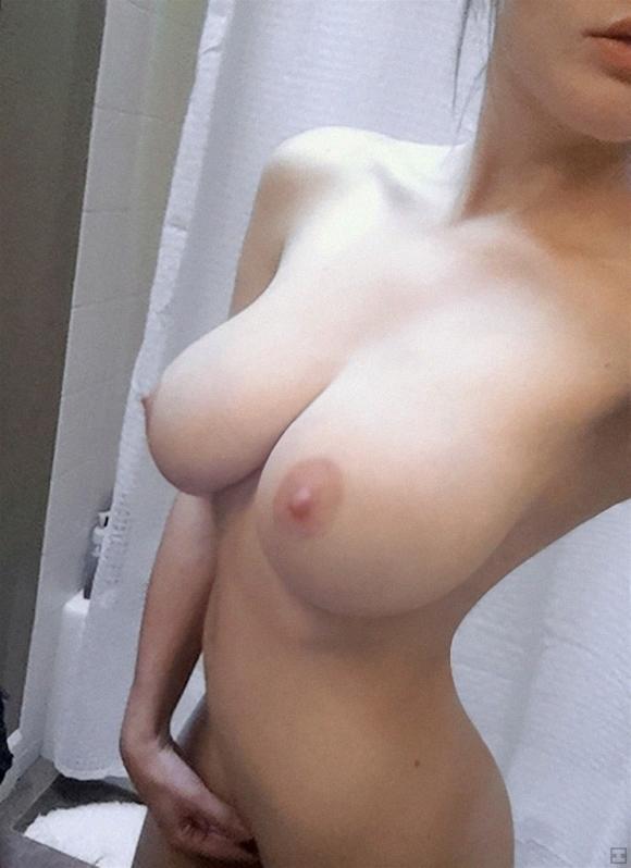 【女神様】6000回記念!今までで最高の素人女子のコリコリ乳首を厳選して貼ってくwwwwwww【画像30枚】06_2020011119131769d.jpg