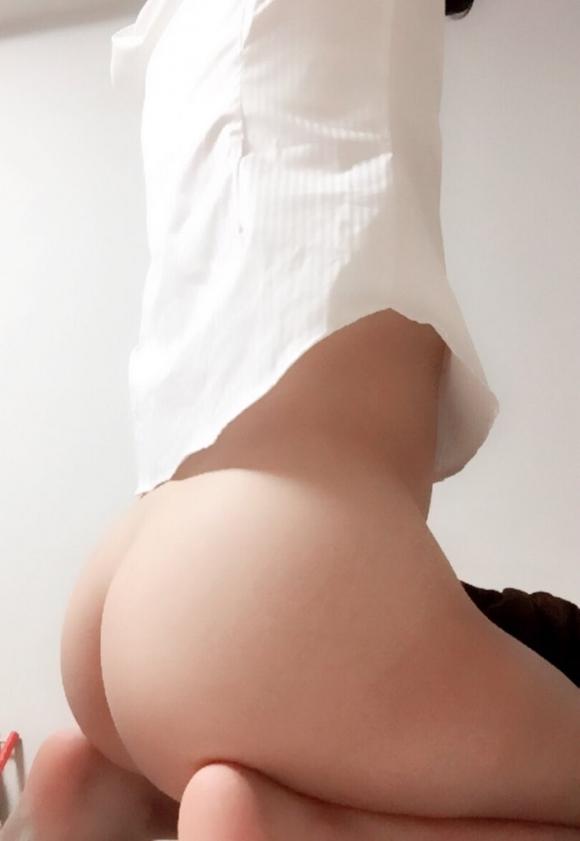 【素人自撮り画像】素人なのにおしりの割れ目を晒しちゃう女の子ってどう思う?wwwwwww【画像30枚】07_20180927163703df8.jpg