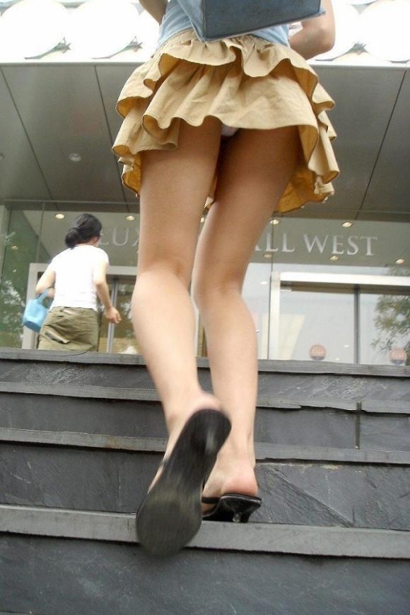 スカート短い女の子見ると下からパンツ見たくなってたまらなくなるwwwwwww【画像30枚】07_20190324235733d59.jpg