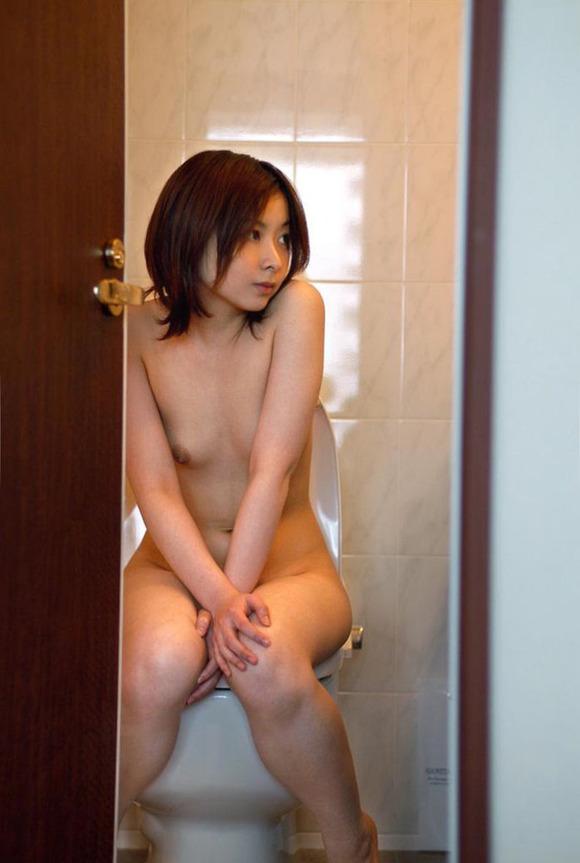 トイレで撮られた女の子の恥ずかしい写真wwwwwww【画像30枚】08_20181124225204a78.jpg