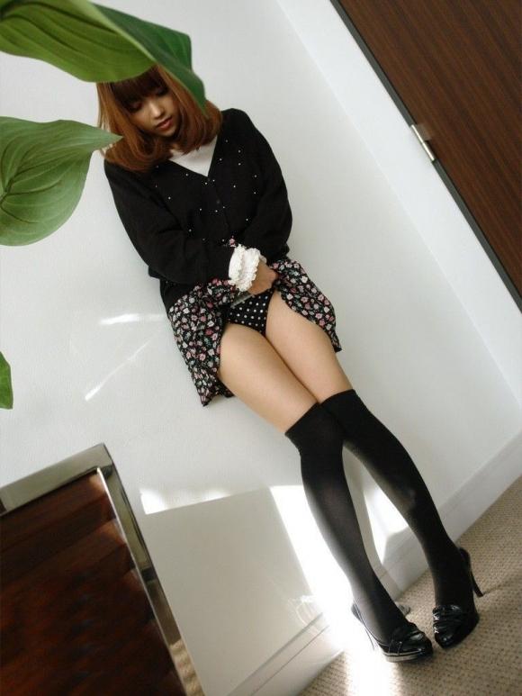女の子が履いてる水玉のパンツって妙にエロさを感じるんだよなぁぁぁwwwwwww【画像30枚】08_20190616013542043.jpg