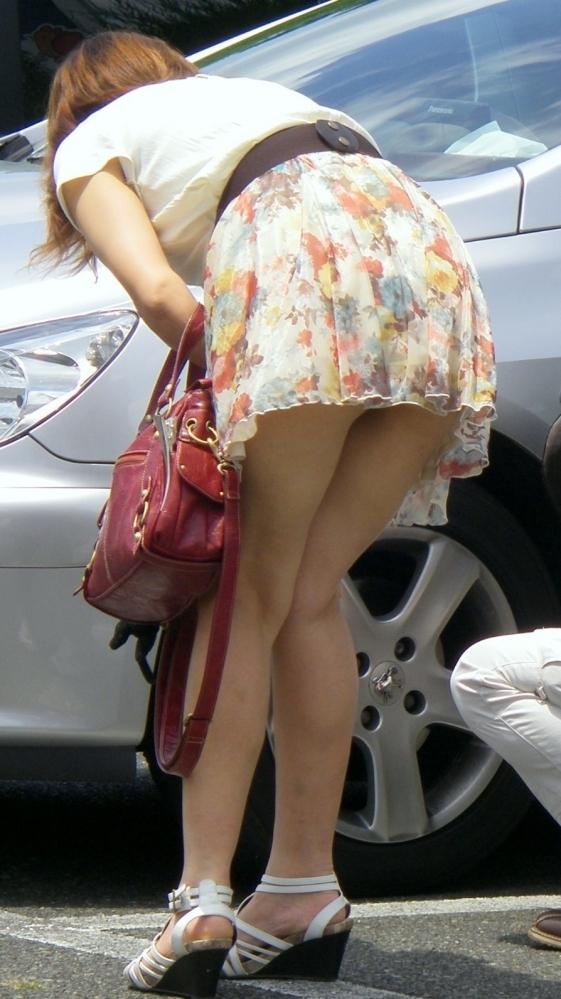 ミニスカの女の子を見るとどうしてもパンチラを期待してしまうwwwwwww【画像30枚】09_20181018182321c17.jpg