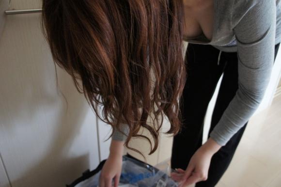 【家庭内盗撮】女の子の家の中の姿を盗み見できるって幸せだなぁぁぁwwwwwww【画像30枚】09_20190310224237822.jpg