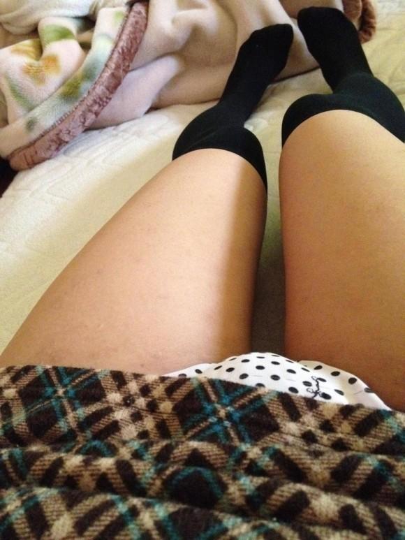 女の子が履いてる水玉のパンツって妙にエロさを感じるんだよなぁぁぁwwwwwww【画像30枚】09_20190616013544062.jpg