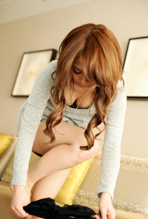 【脱衣中】めっちゃエロく服を脱げる女の子はマジで天才だと思うwwwwwww【画像30枚】09_20190630152350ed8.jpg