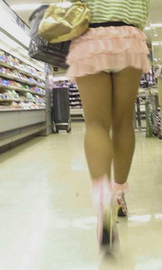 短すぎるスカートをなんで履くのか不思議すぎるwwwwwww【画像30枚】09_20190724011640a07.jpg