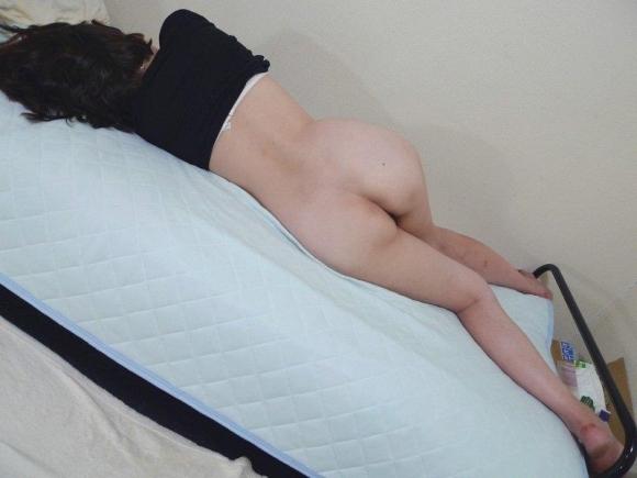 【流出画像】エロいお尻を出してる彼女を勝手に撮って見せびらかせる彼氏ヤバっっっwwwwwww【画像30枚】09_20190803015258500.jpg