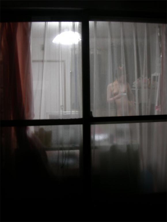 【民家盗撮】普通の家の窓から盗み撮りした女の子の裸がコレwwwwwww【画像30枚】10_20180921222324ba2.jpg