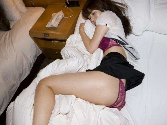 【乱れ服】いたずらに服が乱れてる女の子がふしだらwwwwwww【画像30枚】10_201904230212435d0.jpg