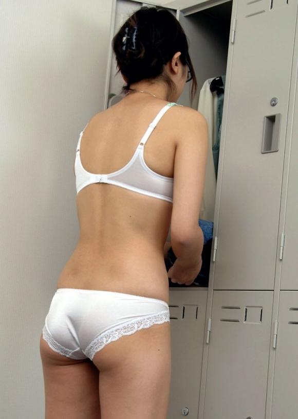 【盗撮画像】女の子が着替えてる女子更衣室を覗くっていう男の夢wwwwwww【画像30枚】10_201906092251319b5.jpg