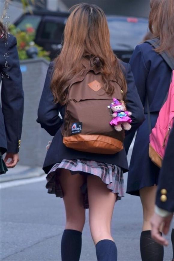 【女子校生】JKのパンツが見れたら自然と元気が出てくるヤツ多いんじゃね?wwwwwww【画像30枚】10_20190805232634f0b.jpg