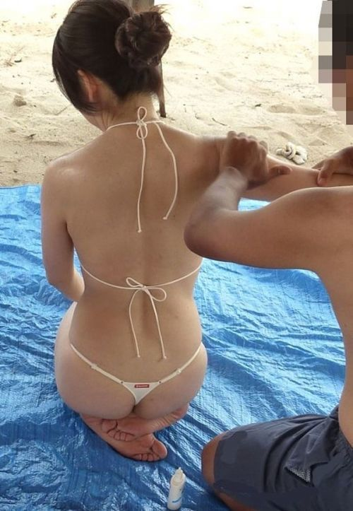 【素人水着画像】真夏のビーチをTバック水着で歩き回る素人を視姦してやりたいwwwwwww【画像30枚】10_20190816015620578.jpg