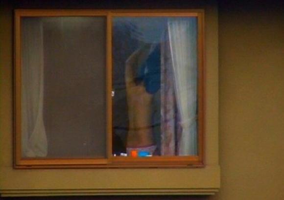【民家盗撮】普通の家の窓から盗み撮りした女の子の裸がコレwwwwwww【画像30枚】11_2018092122303553e.jpg