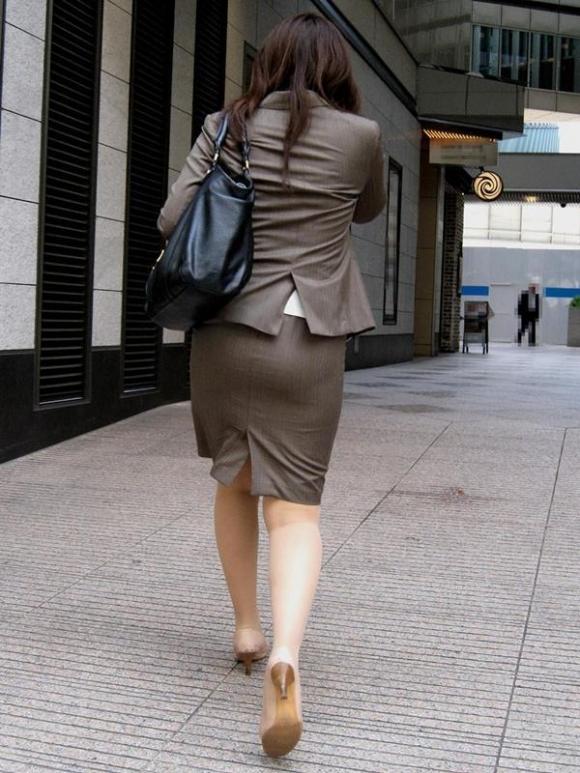 OLさんのタイトスカートがくっそエロいwwwwwww【画像30枚】11_201811061719146ad.jpg