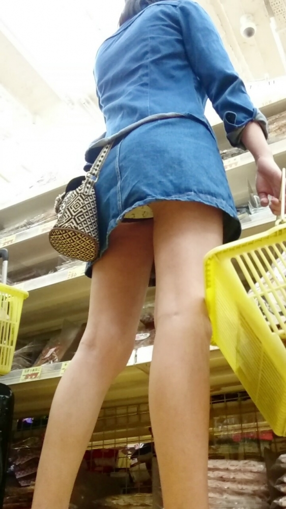 スカート短い女の子見ると下からパンツ見たくなってたまらなくなるwwwwwww【画像30枚】11_20190325002514e00.jpg